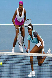 tennis equipment,tennis apparel,sisters wiliams0003
